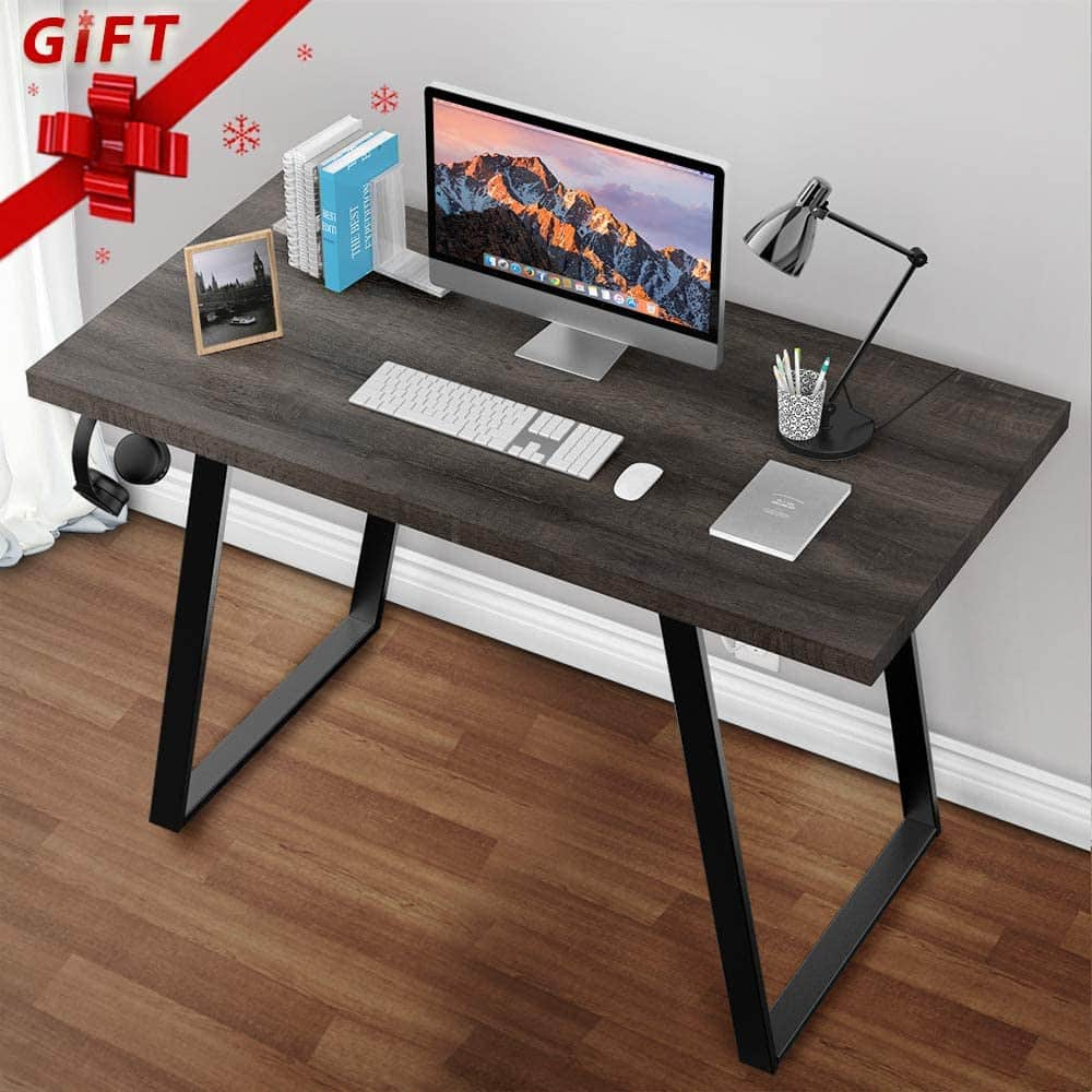Simple Computer Desk by Grovelife